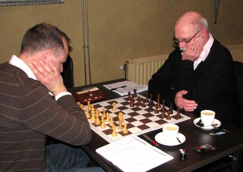 Albert Beekers (rechts) was er na een paar maanden afwezigheid gelukkig weer bij. David Bruggeman in topvorm was echter nog een te groot obstakel voor Albert.