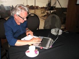 Jan is nog altijd druk bezig, maar nu met de voorbereidingen van het zomerterrasschaak 2015
